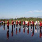 Cintai Lingkungan, Komunitas di Probolinggo Upacara HUT RI ke-75 di Pantai Permata