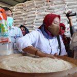 Bulog Pastikan Jatah Beras PKH di Jombang Siap Disalurkan