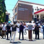 Dinilai Lamban Tangani Dugaan Korupsi Proyek Area PKL, Kejaksaan Pamekasan Didemo