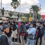 Ratusan Mahasiswa Jember Protes Pengalihan Aliran Irigasi Oleh Pabrik Semen