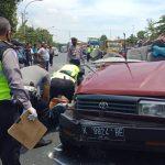 Petugas Butuh 2 Jam untuk Evakuasi 7 Korban dan Mobil yang Ringsek