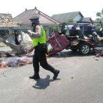 Gagal Nyalip, Kijang Bertabrakan dengan Truk di Pantura Tuban, 6 Orang Tewas