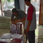 Korwil Dikbud Kecamatan Jombang Pastikan Pembagian Kain Seragam Gratis SD/MI Segera Tuntas