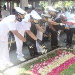 Peringati HUT TNI Ke-75, Pangarmada II Ziarah ke Makam Gus Dur di Jombang