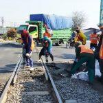 Ada Perbaikan Lintasan KA di Simpang Mengkreng, Jalur Surabaya-Madiun Nanti Malam Ditutup 2 Jam