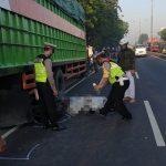 Tabrak Truk Parkir, Warga Surabaya Tewas di Sidoarjo
