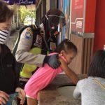 Masuk Mall, Polwan Polresta Sidoarjo Sosialisasikan Patuh Protokol Kesehatan