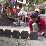 Produsen Paving di Lumajang Sepi Pesanan Sejak Pandemi