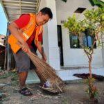 Tim Hunter Prokes Kabupaten Pasuruan Sasar Desa, 1 Warga Dihukum Sapu Musala