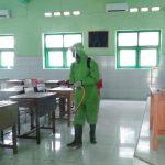 Tak Ingin Jadi Klaster Pendidikan, SMA Negeri 1 Situbondo Lakukan Disinfeksi