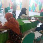 SMPN 2 Jombang, BagikanKain Seragam Gratis