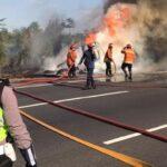Korsleting Listrik, Truk Muat Karet Ludes Terbakar di Tol Sidoarjo