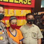 Asyik <em>Nyabu</em> di Belakang Balai RW, Kuli Bangunan di Surabaya Diringkus Polisi
