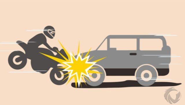 Lawan Arus, Ambulans Tabrak Anggota Polresta Banyuwangi