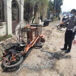 Pecah Ban, Mercy Tabrak Pengemudi Bentor di Jombang Hingga Tewas