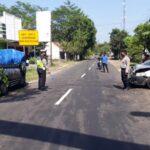 Adu Moncong Toyota Vios VS Pikap L300 di Jember, 4 Cedera Serius