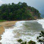 Keindahan Tersembunyi Pantai Bukit Indah Blitar, Wajib Dikunjungi