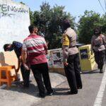 Pemilik Tembok Korban Vandalisme di Jombang Tutupi Coretan Dengan Cat