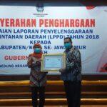 Pjs Walikota Pasuruan Terima Piagam Penghargaan Hasil Capaian Kinerja LPPD