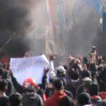 Demo Tolak UU Ciptaker di Kota Pasuruan Ricuh, Pos Polisi Rusak