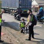 Warung Dihajar Traktor Penarik Trailer, Penjual Minuman di Beji Pasuruan Tewas
