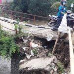 Jembatan Penghubung Antar-Dusun di Penompo Mojokerto 'Ambles'