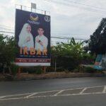 Reklame Paslon IKBAR Bertebaran di Kota Mojokerto Tak Kantongi Izin