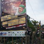 Tidak Berizin, Baliho Habib Rizieq di Pasuruan Dicopot Satpol PP