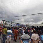 Tuntut Pengolahan Limbah PT SAI, Warga Lolawang Mojokerto Blokade Pintu Masuk Pabrik