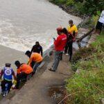 Mayat Perempuan Telanjang Bulat Mengapung di Dam Karet Megaluh Jombang