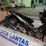 Diduga Mabuk, Pemotor Berboncengan Tiga Tabrak Truk Parkir di Probolinggo, Satu Tewas