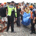 Truk Tertabrak KA Gaya Baru di Jombang, Dua Orang Tewas