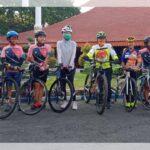 Kampanye Bali Pulih, Enam Perempuan Pesepeda Bertolak dari Probolinggo Menuju Situbondo