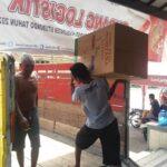 Polisi Kawal Distribusi Logistik APD Pilkada Situbondo ke 17 Kecamatan
