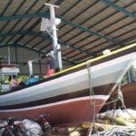 Mengintip Pembuatan Kapal Kayu di Pondokdadap Sendang Biru Malang