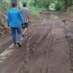 Wali Kota Probolinggo Janji Perbaiki Jalan Berlumpur di Kedopo, Tapi Tahun Depan…