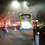Diduga Korsleting, Mobil Nissan Hangus Terbakar di Tol Sidoarjo