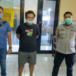 Pemuda Surabaya Dibekuk di Kamar Kos Saat Konsumsi Sabu