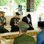Hari Pahlawan, Pjs Bupati Blitar Bersama Forkopimda Ziarah ke Makam Bung Karno