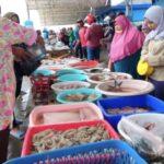 Pedagang Ikan di TPI Puger Jember Naikkan Harga Tiga Kali Lipat
