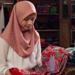 Siswi Pencinta Batik Ini Terima Hadiah Rp. 35 Juta dari Kemendikbud RI