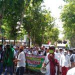 Tuntut Rizieq Shihab Dibebaskan, Ratusan Warga Kepung Polres Sampang