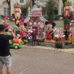 Bahagiakan Tetangga di Tengah Pandemi Halaman Rumah di Surabaya Dihias Pernik Natal