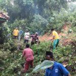 Tebing Setinggi 15 Meter Longsor Timpa Satu Rumah di Pamekasan