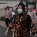 Pilwali Surabaya 2020, Berjalan Kaki Risma Pamer Tinta di Jari