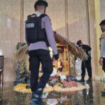 Jelang Misa Natal 2020, Jibom Polda Jatim Sterilisasi Gereja di Sidoarjo