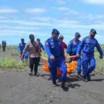 Mayat Pria Bertato Ditemukan Membusuk Terlentang di Pantai Talangsari Jember