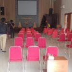 Relawan Semprot Gereja di Pamekasan dengan Disinfektan