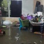 Diguyur Hujan Deras, Sejumlah Rumah Warga Surabaya Terendam Banjir