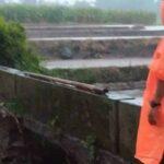 Jembatan Penghubung Antar Desa di Ngaringan Blitar Putus Diterjang Luapan Sungai